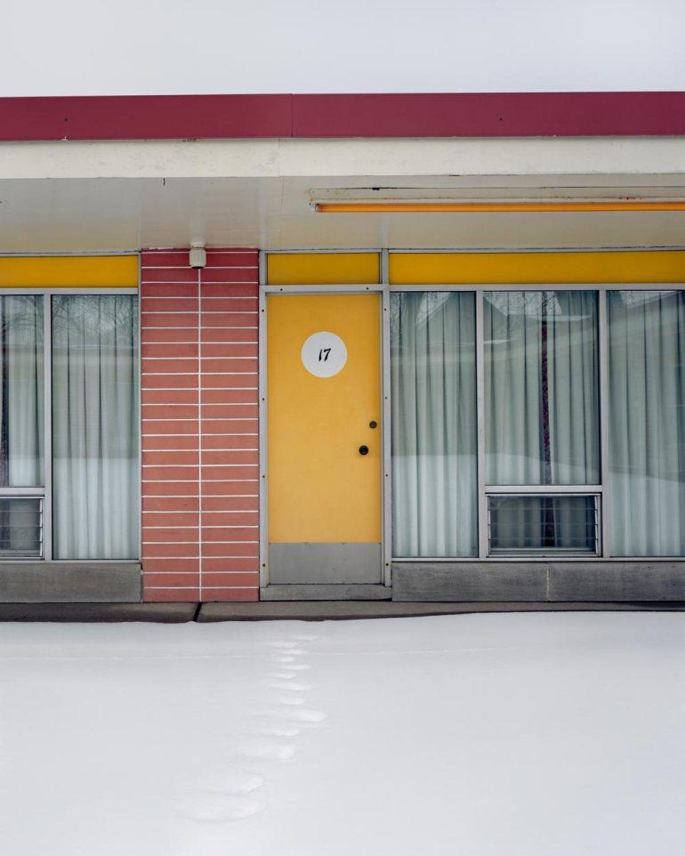 web_Cadillac-Motel,-from-Niagara,-2005-Alec-Soth