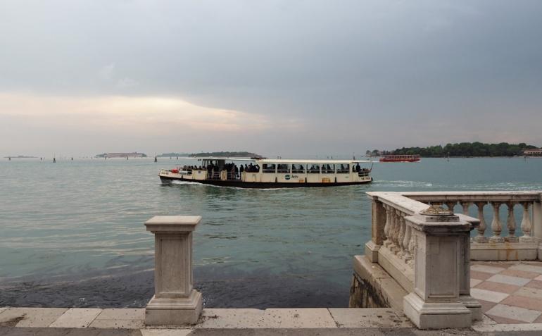 venetsian-biennaali-taidematkustaja15