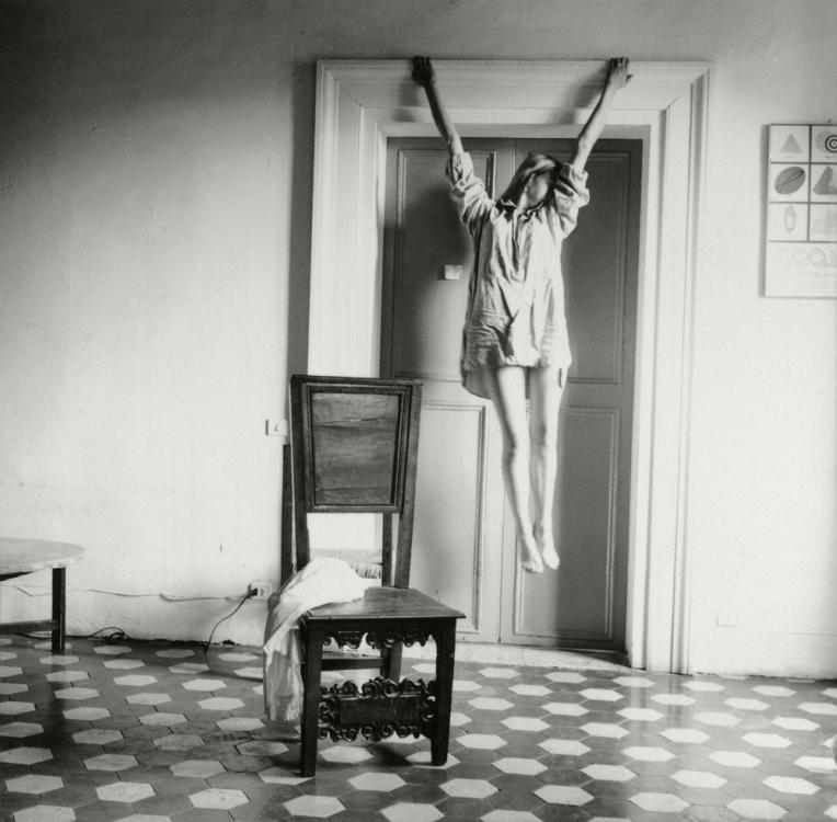 Francesca-Woodman,-Untitled,-Rome,-Italy,-1977–78-©-George-and-Betty-Woodman_web