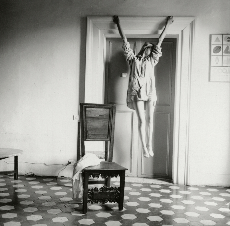 Francesca-Woodman,-Untitled,-Rome,-Italy,-1977–78-©-George-and-Betty-Woodman_web